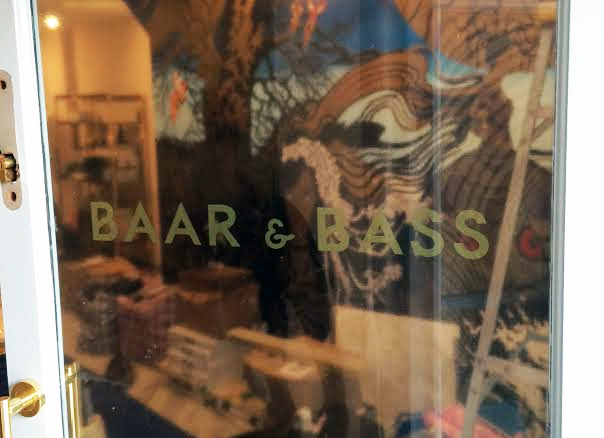 Designed and fitted a Bespoke Vinyl Gold Lettering Sign, for our customer the BAAR & BASS, who is based in  London.